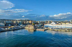 Croisière sur la ville cotière de Marseille