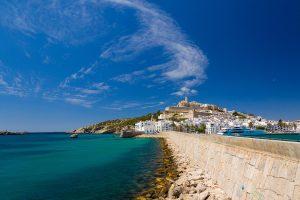 La ville d'Ibiza vue panoramique