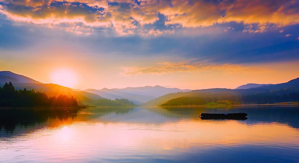 Lac panoramique en Roumanie