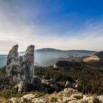 Paysage de la colline de Pietrele doamnei lors des vacances en Roumanie