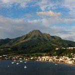 Baie de Saint Pierre près de la montagne Pelée en Martinique