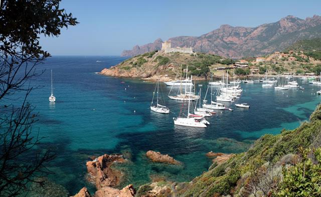 Naviguer en Corse