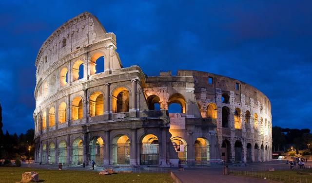 Le Colisée à Rome en Italie