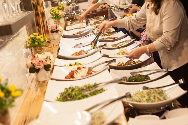 Un buffet de croisiere