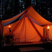 Le glamping: tout le plaisir du camping, le luxe en plus