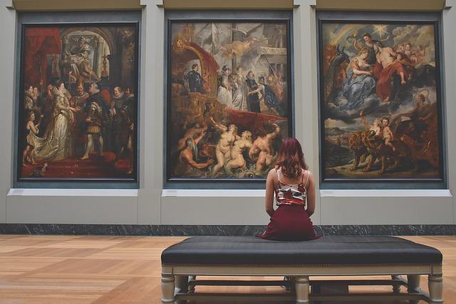 Louvre France intérieur du musee